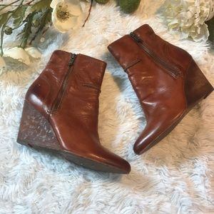 Frye Leather wedge Pointed Toe Booties